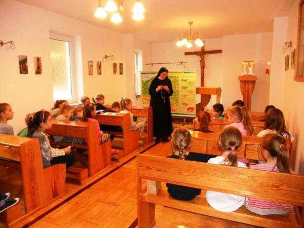Dzieci i Różaniec do granic w Józefowie